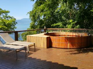 Nice House with Iron and Grill - Angra Dos Reis vacation rentals