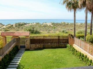 Beachfront Townhouse in Las Arenas in Bahia de Marbella - Marbella vacation rentals