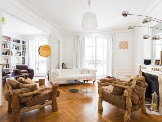 onefinestay - Rue Pétrarque apartment - Paris vacation rentals