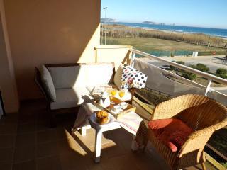 Front beach apartment , sea view. COSTA BRAVA - Pals vacation rentals