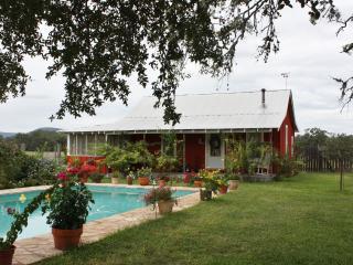 Majestic Oaks Farm - Old House - Tarpley vacation rentals