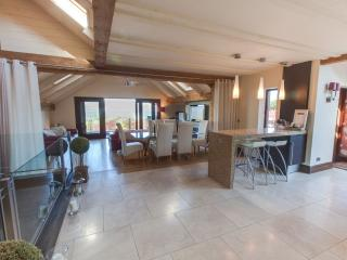 Spacious 6 bedroom House in Carlingford with Washing Machine - Carlingford vacation rentals
