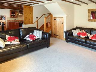 THE MISTAL, pet-friendly, open plan, close to National Park, Alnwick, Ref 933281 - Alnwick vacation rentals
