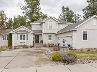 5BED/3Bath w/Forest Views/Mins to Downtown - Spokane vacation rentals