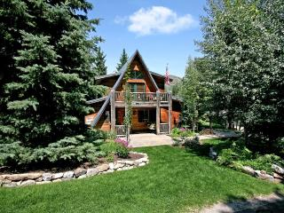 Sundance Chic Chalet  - Classic Four Bedroom A-Frame Ski Chalet that Accommodates 14! - Sundance vacation rentals