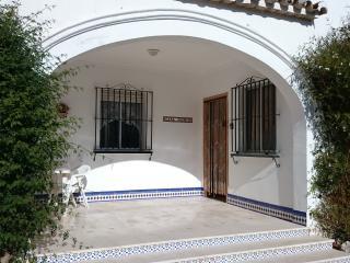 Perfect 3 bedroom Estepa Villa with Satellite Or Cable TV - Estepa vacation rentals