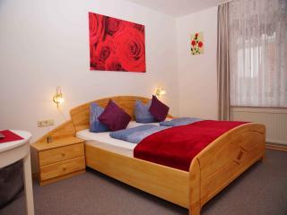 Vacation Apartment in Friedrichshafen - 592 sqft, 1 bedroom, 1 living / bedroom, max. 4 people (# 9326) - Friedrichshafen vacation rentals