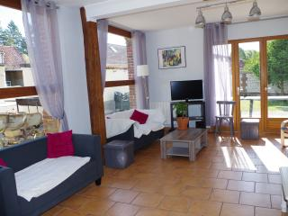 6 bedroom House with Internet Access in Montreuil-sur-Mer - Montreuil-sur-Mer vacation rentals