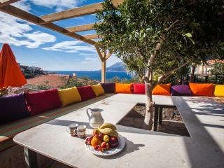 Charming 4 bedroom Kas Villa with Deck - Kas vacation rentals