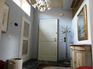 Three bedroom flat in historic central Florence building - Florence vacation rentals