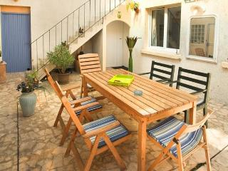 Nice B&B with Internet Access and Towels Provided - Champigny-sur-Marne vacation rentals