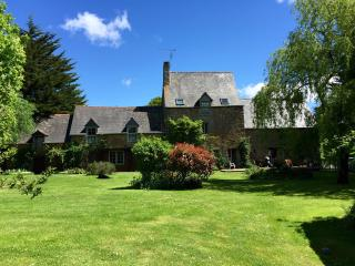 Dinan Beautiful detached farmhouse - Dinan vacation rentals