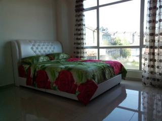 Azizi & Yati Homestay@Suriana D'Royal Lily - Tanah Rata vacation rentals