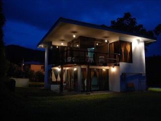 Beautiful La Fortuna de San Carlos vacation House with A/C - La Fortuna de San Carlos vacation rentals