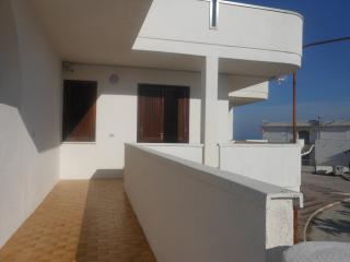 Appartamento a pochi passi dal mare - Lido del Sole vacation rentals