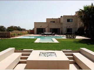 4 bedroom Villa with Internet Access in Marsascala - Marsascala vacation rentals