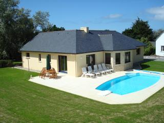 Nice Villa with Internet Access and Wireless Internet - Plestin les Grèves vacation rentals