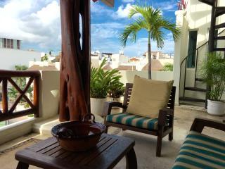 At the Corner of Mamitas Beach, Pay price you see - Playa del Carmen vacation rentals