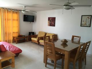 Beautiful Condo with Internet Access and Satellite Or Cable TV - Cartagena vacation rentals