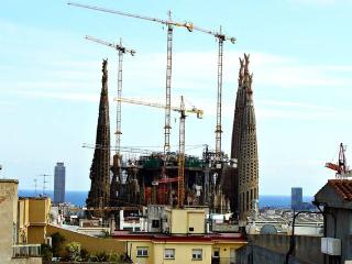 Penthouse, terrace & views to Sagrada Familia - Barcelona vacation rentals