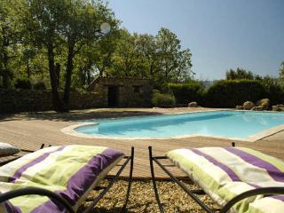 Mas en Luberon, piscine chauffée, 2 à 6 personnes. - Caseneuve vacation rentals