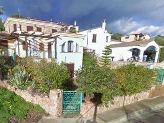 BILOCALE A 90 MT DALLA SPIAGGIA - Arbatax vacation rentals