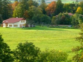 Alcove Du Velay- Chambre Colibri - pour 2 adultes - Le Puy-en Velay vacation rentals