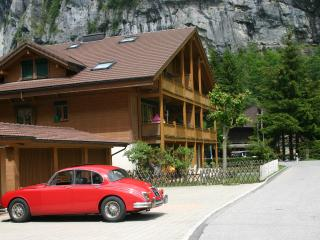 Apartment Hutton near Staubbach Falls - SKI OR SUN - Lauterbrunnen vacation rentals