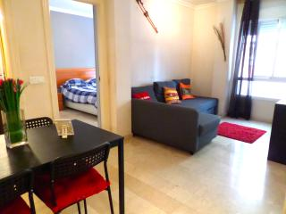 Beachside free wifi. Near to the center. FREE WIFI - Malaga vacation rentals