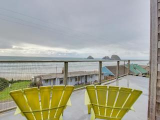 Stunning & modern oceanview home - a block and a half from the  beach! - Oceanside vacation rentals