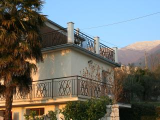 Spacious apartment Via Santa Maria - San Donato Val di Comino vacation rentals