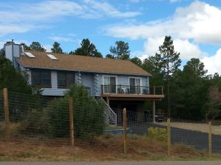 Beautiful House with Internet Access and Dishwasher - Tijeras vacation rentals