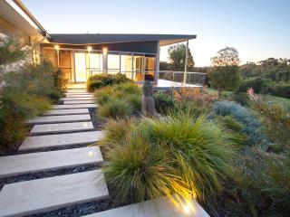 Tresor-Trove/modern, arty, edgy  home @ Yallingup - Yallingup vacation rentals