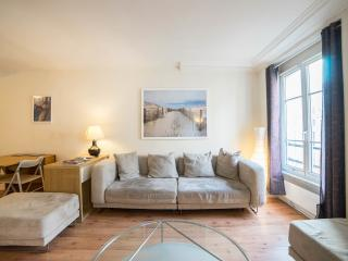 Beautiful Condo with Internet Access and Toaster - Paris vacation rentals
