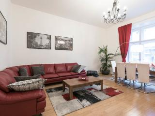 Old Town Central, with free transfer on arrival - Prague vacation rentals