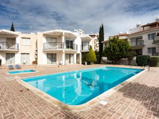 3 bdr townhouse within walking distance to the sea - Paphos vacation rentals