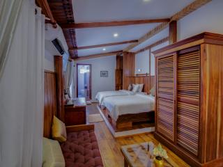 4 bedroom House with Housekeeping Included in Siem Reap - Siem Reap vacation rentals