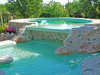 Lovely Finca with Internet Access and Dishwasher - Buger vacation rentals
