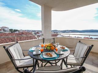 Cozy sea view apartment only 200 from the sea - Trogir vacation rentals