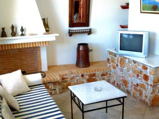 Il volo di Icaro - 1st floor - close to the beach - Votsi vacation rentals