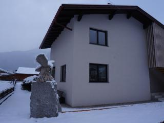 2 bedroom Apartment with Internet Access in Umhausen - Umhausen vacation rentals
