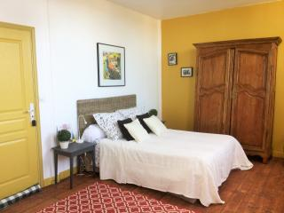 Nice Bed and Breakfast with Internet Access and Wireless Internet - Chatelaudren vacation rentals