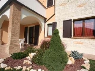 Apartment with private garden and swimming pool - Genga vacation rentals