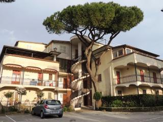 """Holiday Home """"Number 12"""" - Minturno vacation rentals"""