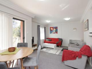 Perth Convention/Business/Holiday WiFi & parking - Perth vacation rentals