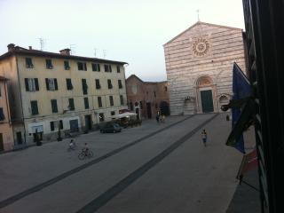 Bright Condo with Internet Access and Wireless Internet - Lucca vacation rentals