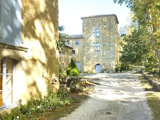 Nice Gite with Internet Access and Satellite Or Cable TV - Couiza vacation rentals