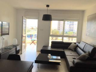 Cozy 3 bedroom Apartment in Ashdod with Internet Access - Ashdod vacation rentals