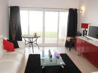 Fuseta 2 Bed Apt with free Wifi & Seaview - Fuzeta vacation rentals