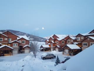 Luxury Condo, Close to Snowbasin and Pineview - Huntsville vacation rentals
